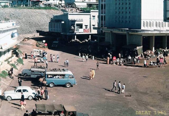 Quang cảnh hiền hòa hiếm có của chợ Đà Lạt từ năm 1938 đến nay